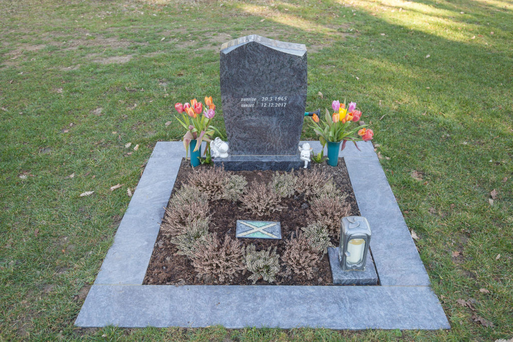 Urnenschmuckgrab